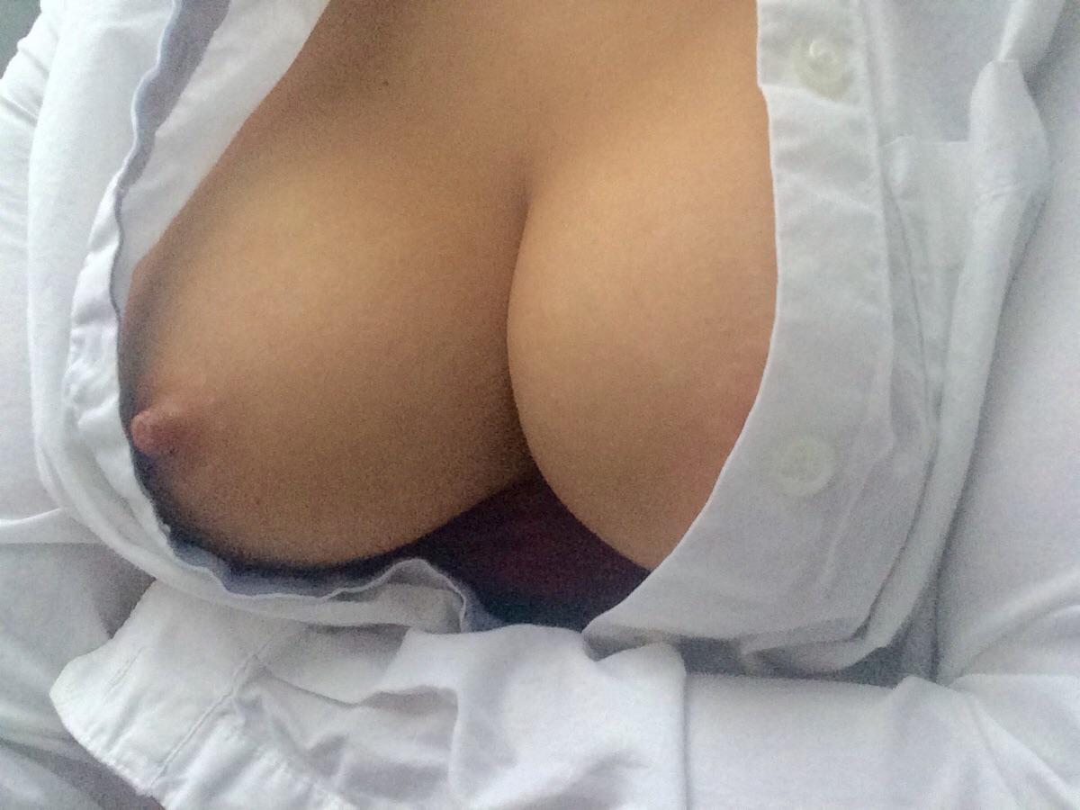 slicka bröst