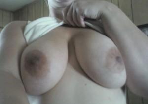 Väldigt stora bröst