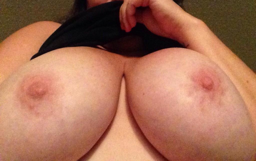 BBW tjej med ett par mycket stora pattar