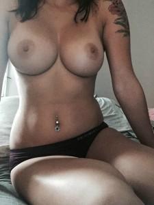 Helt vanlig tjej med fina bröst