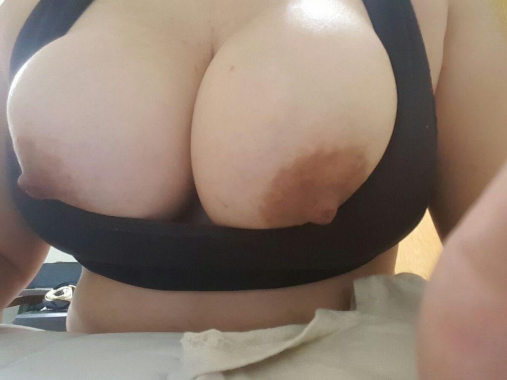 Mina stora tunga bröst